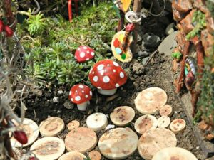 Whats in fairy gardens ornaments buttons