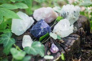 Crystals on Stump top 10 fairy garden ideas