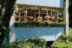 Simple Landscaping Ideas to Beautify Your Life balcony