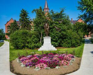Garden design ideas statue landscaping