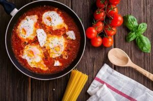 How to garden vegetables tomato basil table