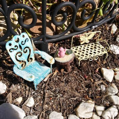 outdoor fairy garden ideas table and chairs