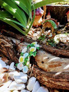 Outdoor fairy garden ideas pathway