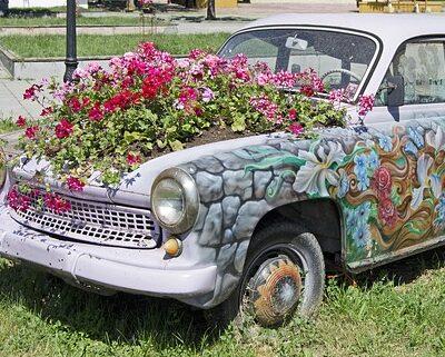 outdoor fairy garden ideas repurposed car planterOutdoor Fairy Garden Ideas – Yard Magic!❀Fairy Circle Garden