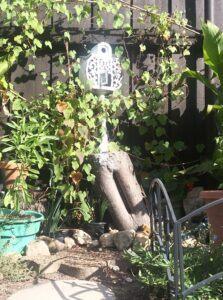 outdoor fairy garden ideas tree stump houseoutdoor-fairy-garden-ideas-tree-stump-house